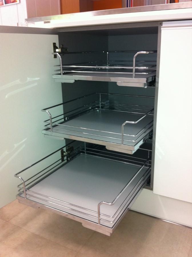 Cestos Extraibles Interior. Mueble Cocina con Fondo Antideslizante