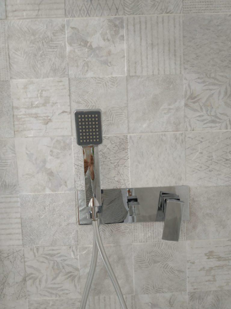 Griferia de ducha empotrada
